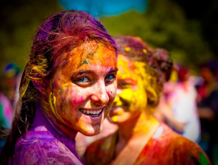 How To Take Care Of Skin And Hair During Holi